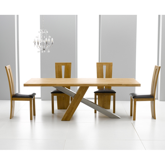 Oak Dining Tables, A Wise Investment