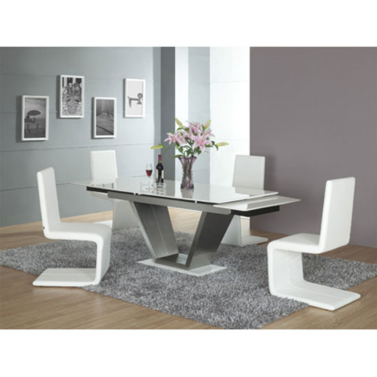 A Dining Table for Your Small Space