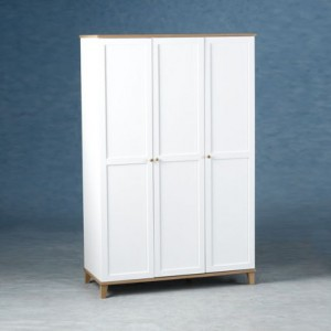 How to buy wardrobes with hinged doors?