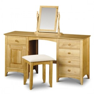 How to Decorate with a Dressing Table in a Bedroom