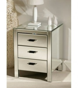 Chest of drawers for the end of the bed