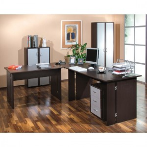 COMPUTER WORKSTATIONS IN WOOD