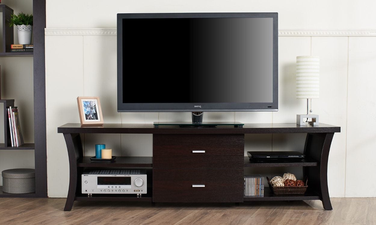 4 Interiors That Can Benefit From Wall Hung Flat Screen TV Cabinet With Doors