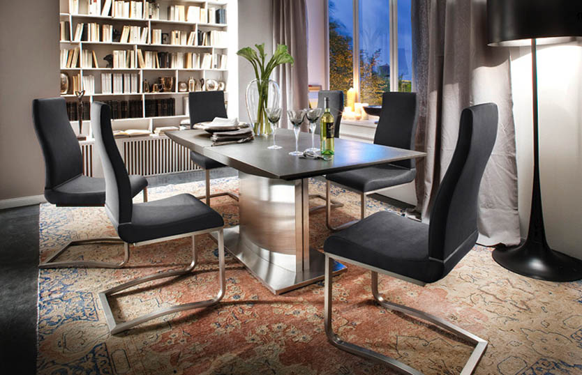 5 Essential Things To Have In A Dining Room