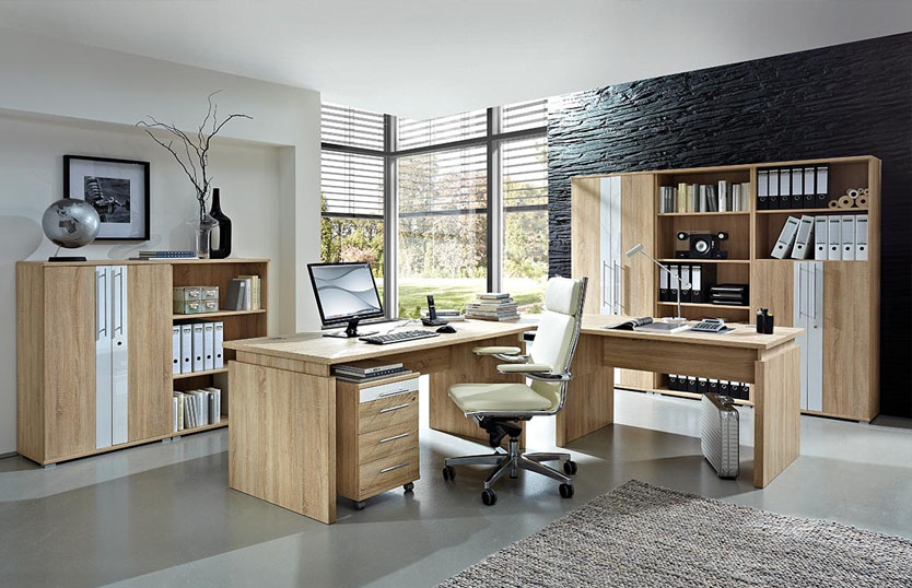 Computer Desks For Multiple Monitors, Designs And Materials