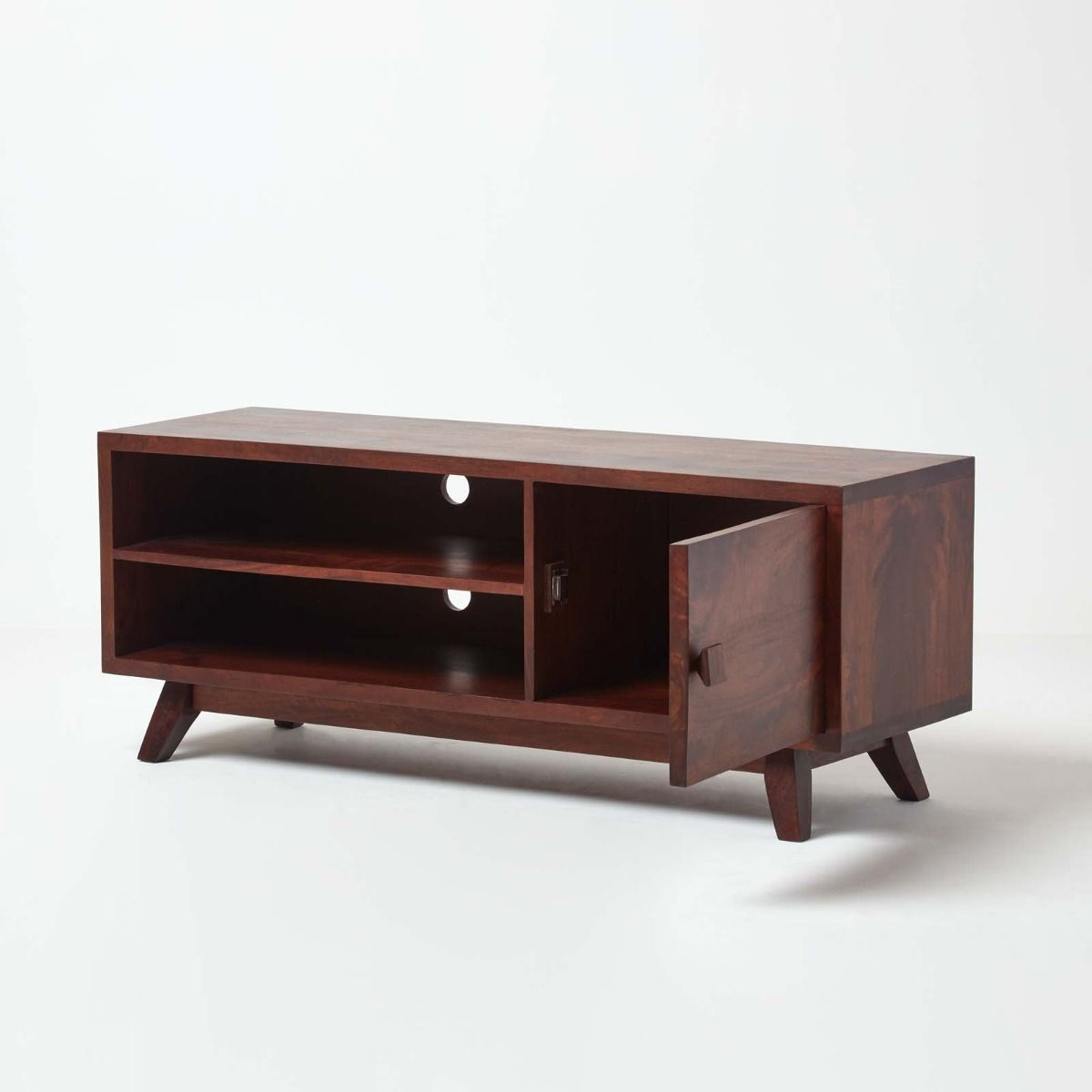 How To Make A Solid Wood TV Stand And Which Trends To Follow