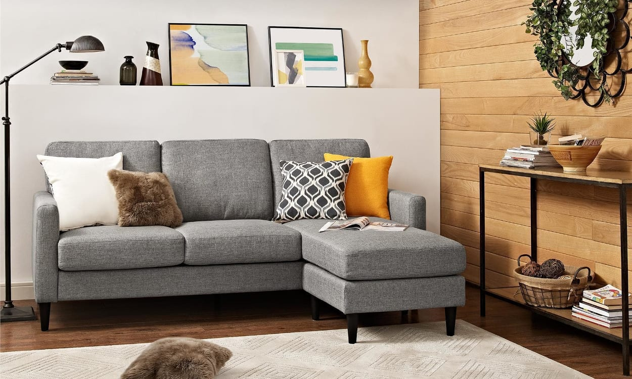 How To Choose Best Sofas For Small Living Rooms: 4 Great Suggestions