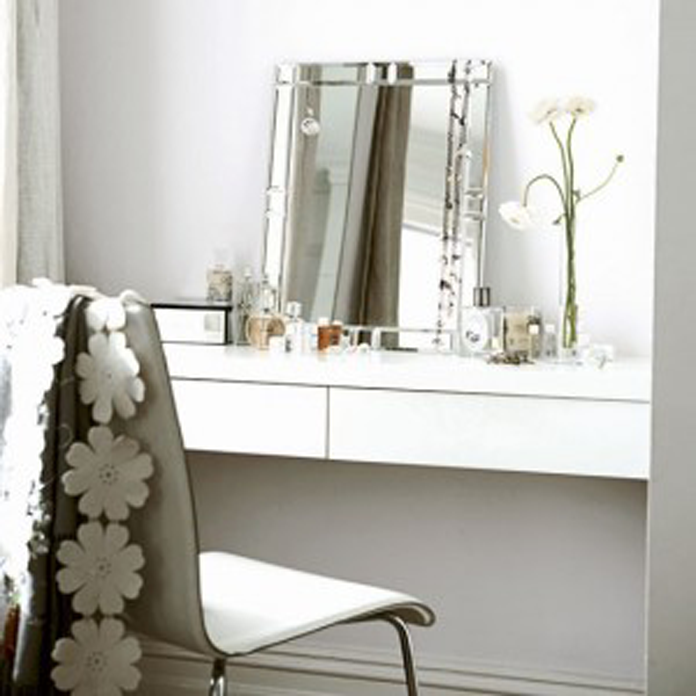 7 Tips To Decorate Your Dressing Table