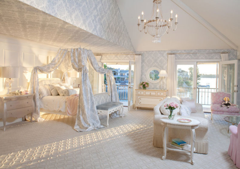 Antique Style Beds: Vintage Ideas To Decorate Your Bedroom
