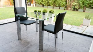 5 Reasons to Go With Black Dining Chairs