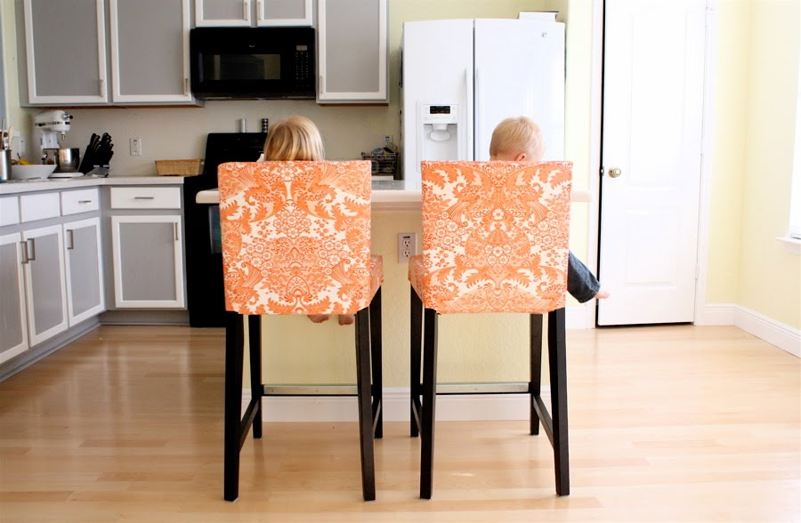 Choose A Gorgeous Bar Set: Counter Height Dining Chairs