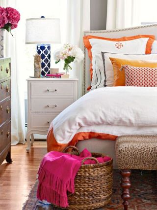 Cost Saving Decorative Ideas for a Chic Bedroom