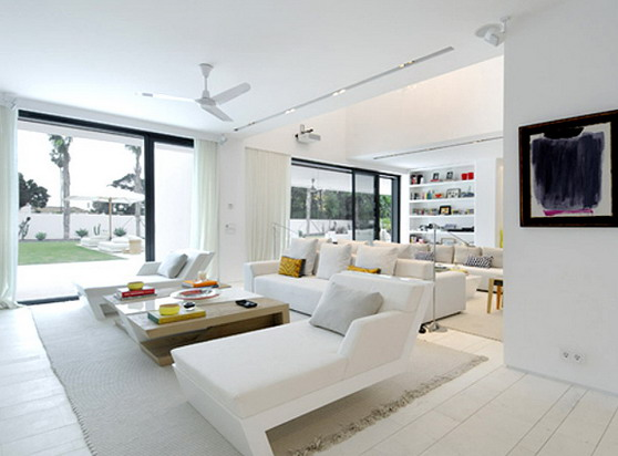 White contempoary living room