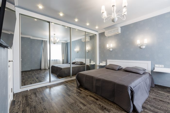 shutterstock 569572399 min e1495631763372 - Mirrors Can Change the Atmosphere of Your Home