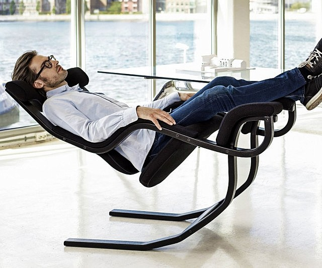 zero gravity recliner chair 640x533 - Relaxation Chairs: Find the Perfect Fit for Your Lounge