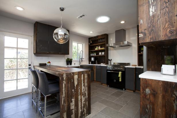 Seven Easy Ways to Create a Kitchen Entertaining Space