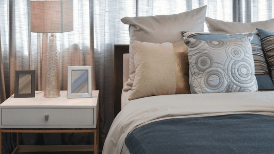 What should you look for in a bedside table 1 - What should you look for in a bedside table?
