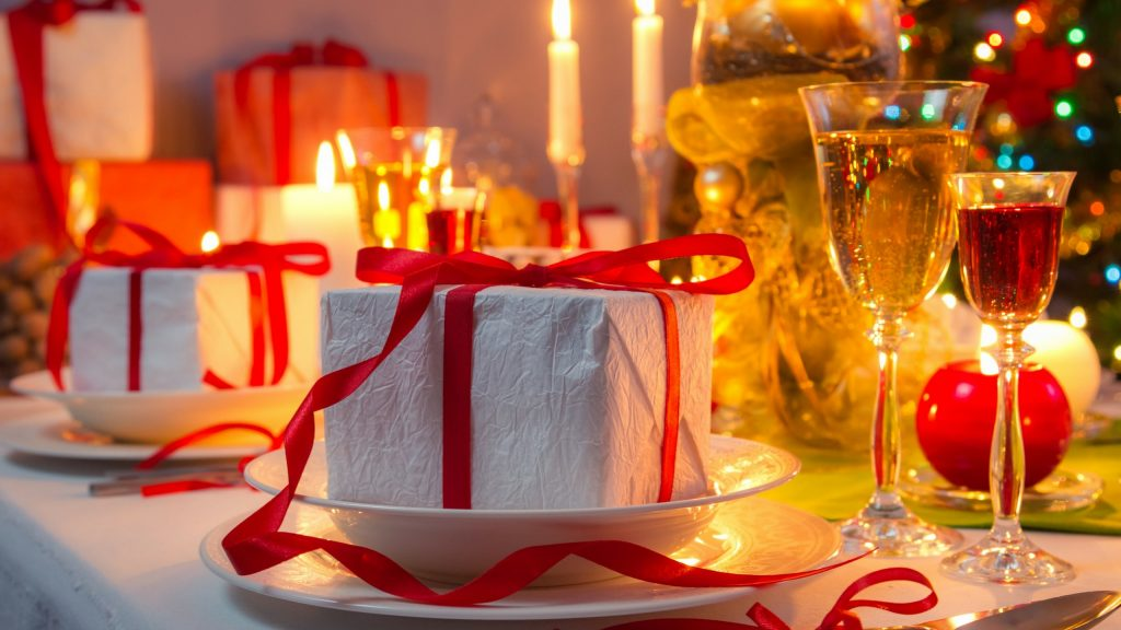 Make your dining room the best for this christmas 2017