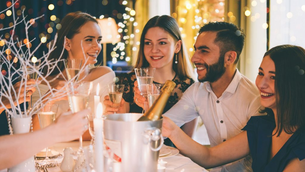 7 Pro Tricks To Know When Entertaining At Christmas