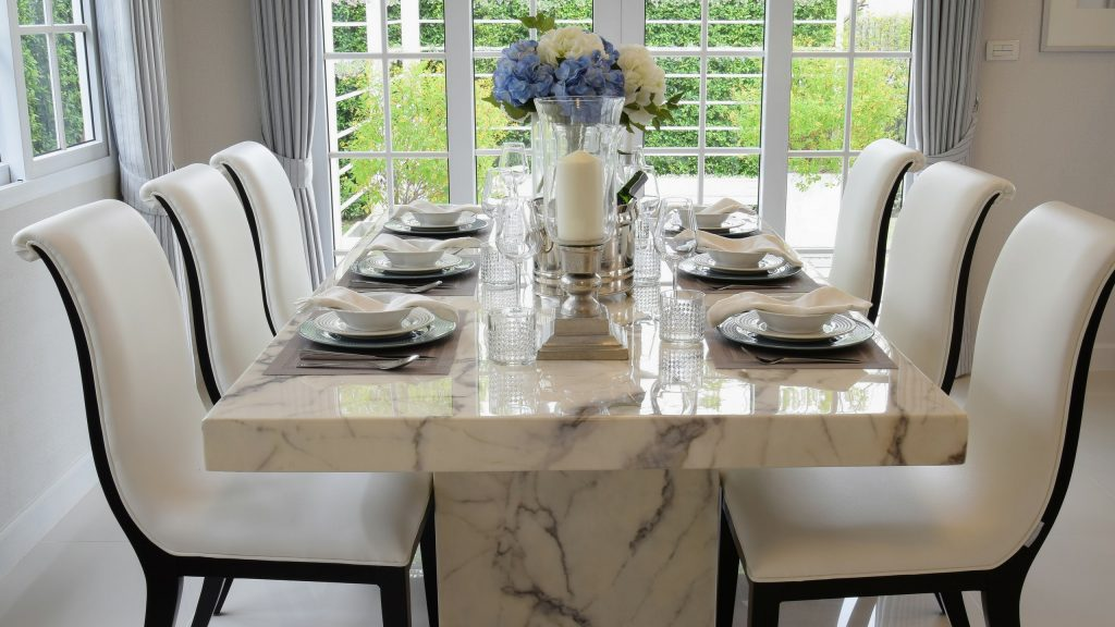 Thinking of Buying a Dining Table Set Online?