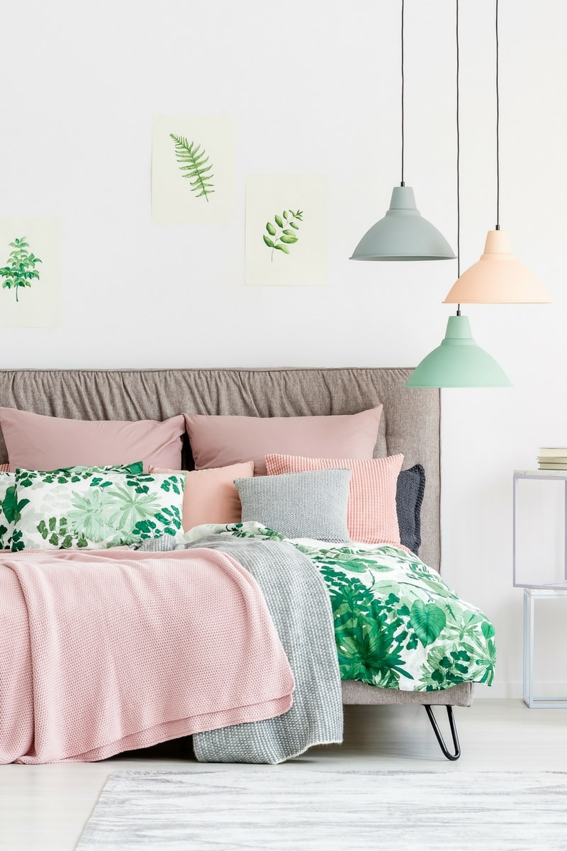 blog december 17 3 - 10 things every bedroom should have!