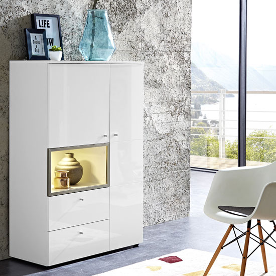 Living Room Furniture: Display Cabinet Choosing And Integration Tips