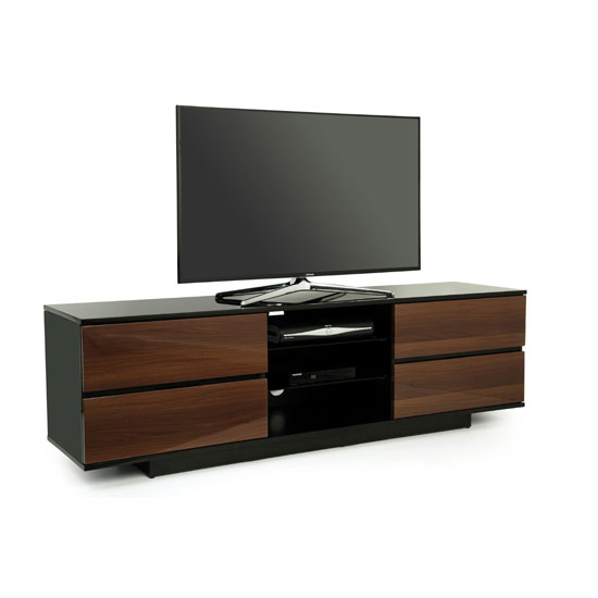 What To Think Of While Choosing Wood TV Entertainment Stands