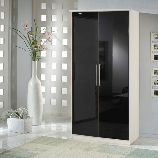 6 Tips While Choosing A Wardrobe With Hanging Storage