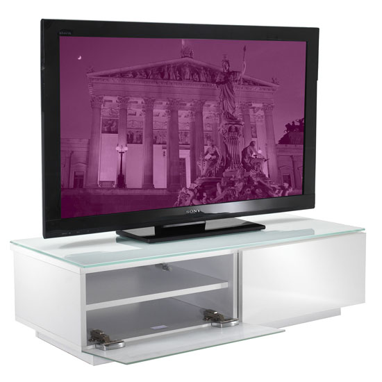 Choosing Furniture For Home Entertainment Systems: 7 Universal Tips To Make A Note Of