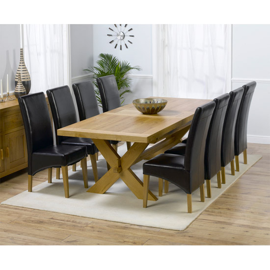 6 Reasons To Have A Solid trendy Oak Dining Table And Benches In Your Home