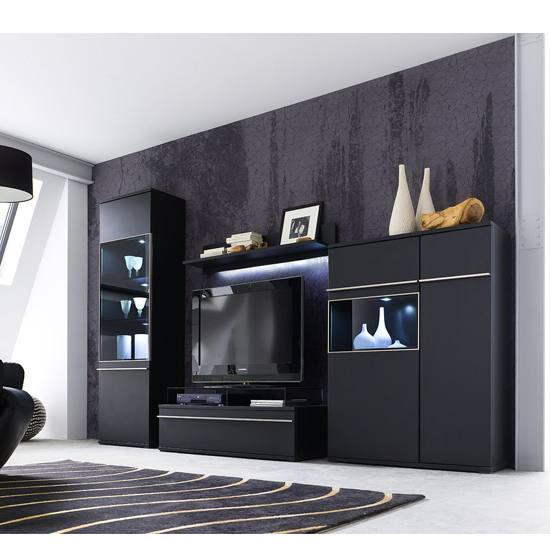 5 Reasons To Buy Black Wooden Furniture For A Living Room