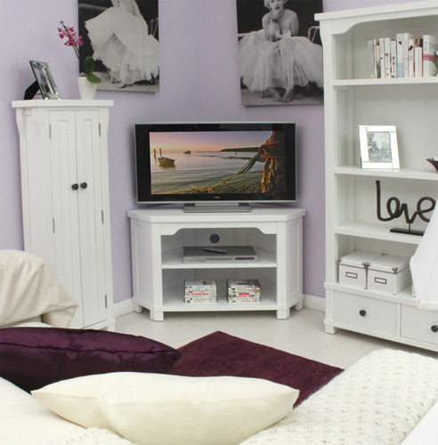 Common Designs And Materials For A White TV Stand – 50 Inch And More