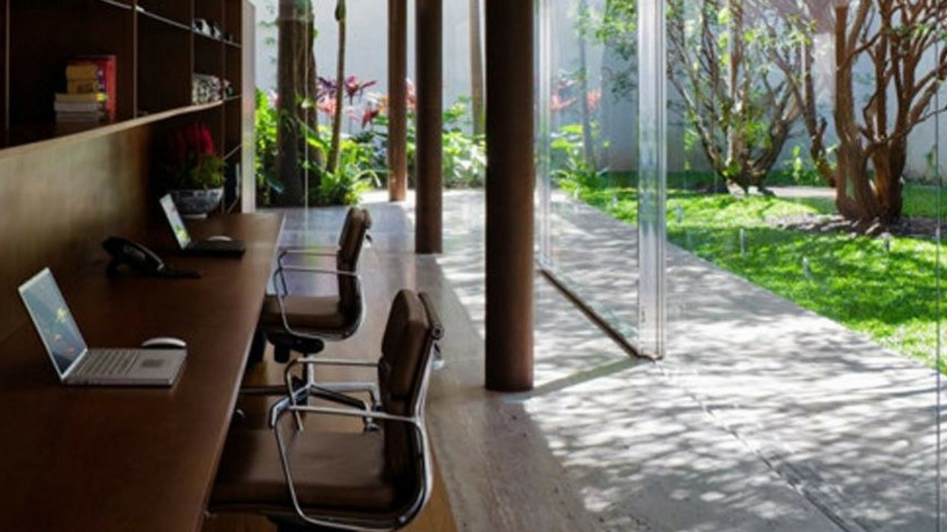How to create a Zen office interior