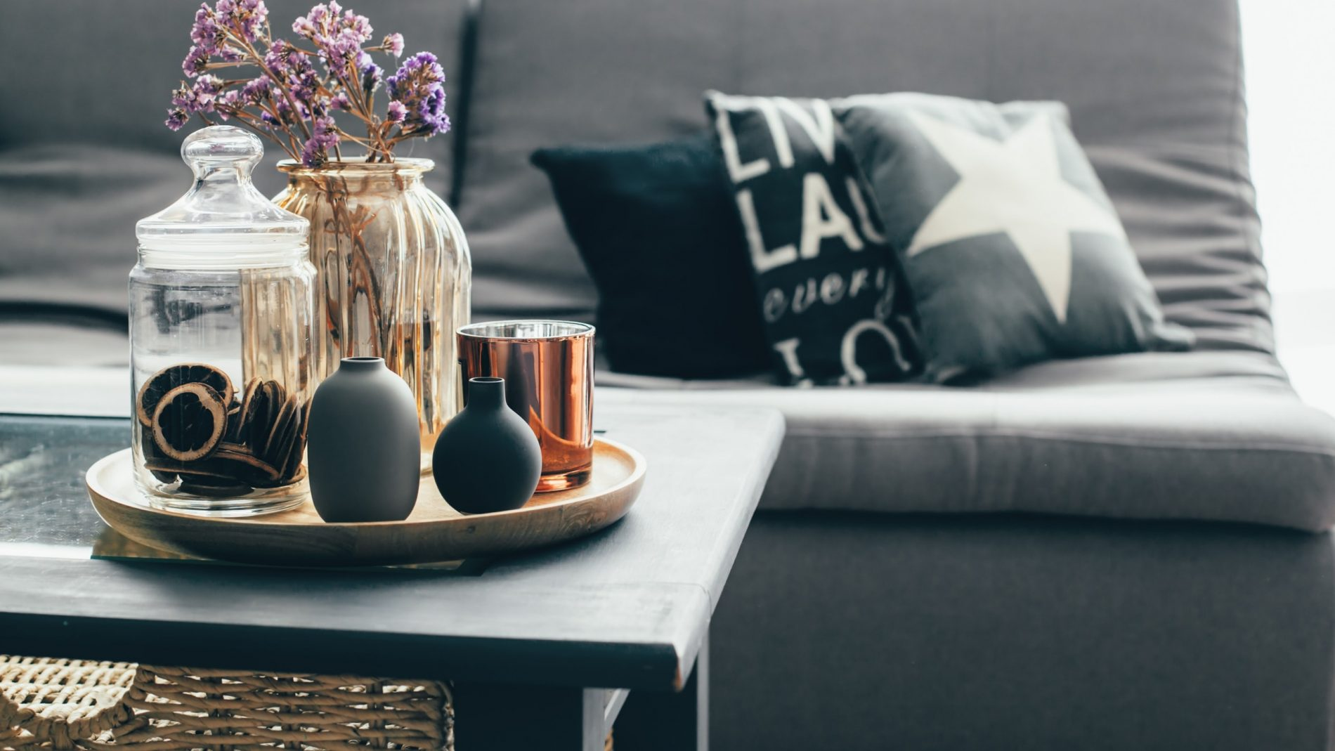 5 Lamp Tables that will look great in any small apartment