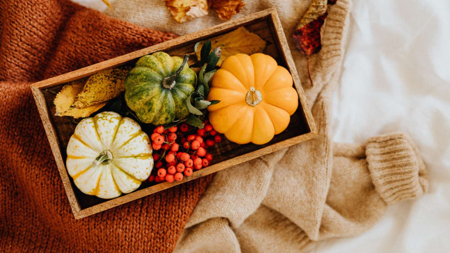 How To Decorate Your Home & Hallway In Autumn & Fall Season